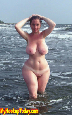 Thick Milf in The Sea