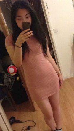 Tight Pink (via /r/MirrorSelfie)
