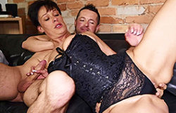 Euro inexperienced wifey copulates like a expert