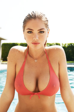 mouth watering boobs of american model