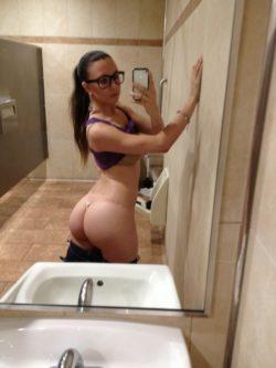 quick bathroom pic.