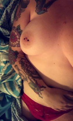 (x-post from r/altgonewild) I'm a tease.