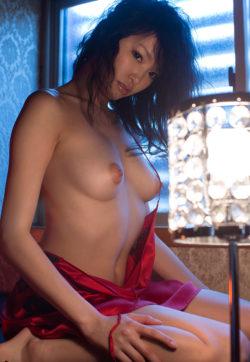 Ai Yuzuki - red silk