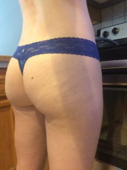 Do you like your eggs with toast or do you pre(f) this?