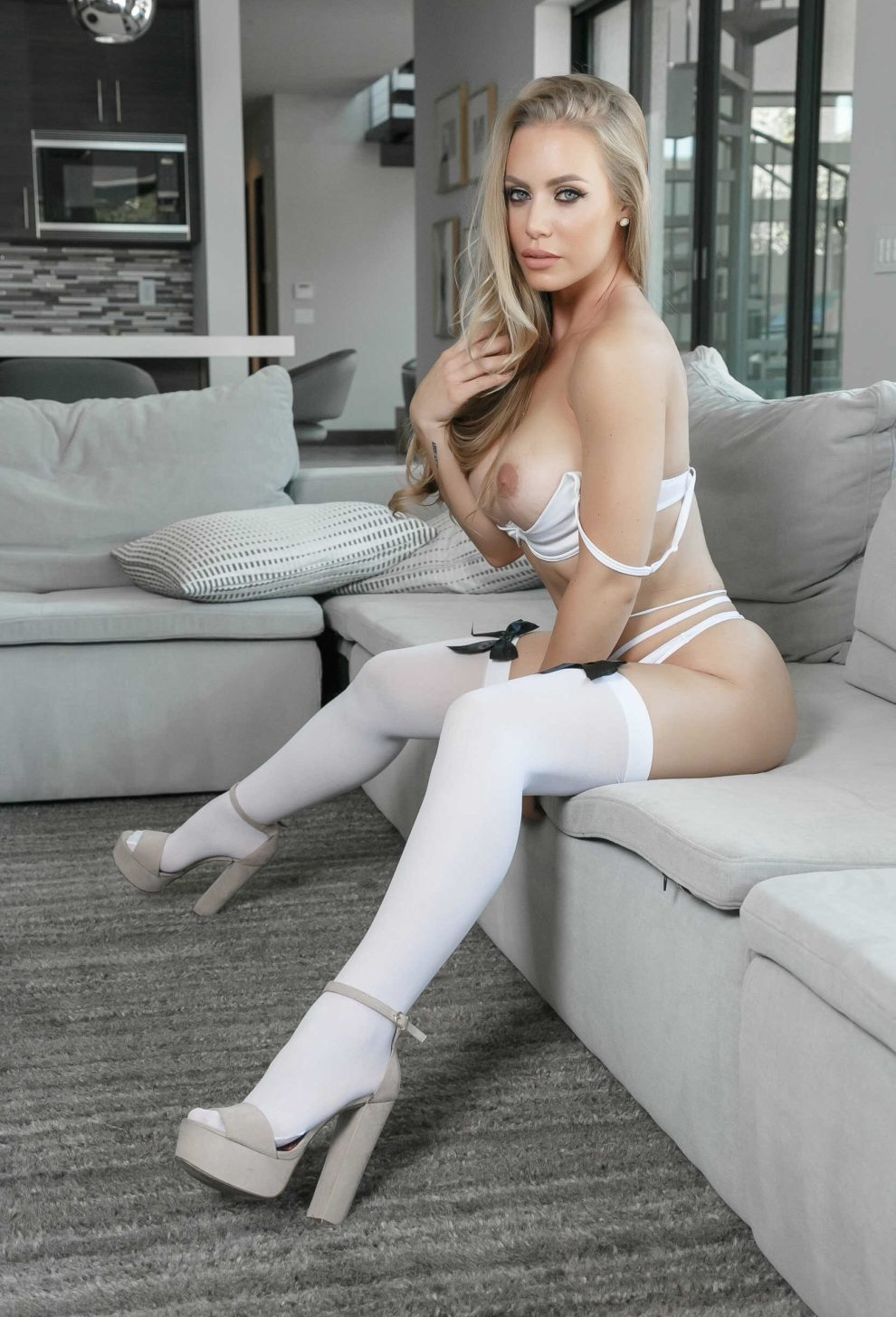 Drop Dead Gorgeous Nicole Aniston