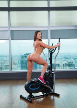 Fitness time with Kendra Lust