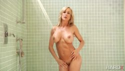 Brandi Love showing off her sexy body in the shower