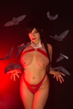 Juka Crasoves as Vampirella