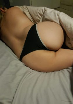 PAWG WIFE!!!