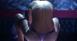 Natalie Portman's nice backside plot in Closer