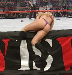 Trish Stratus fat ass jiggle on Monday Night