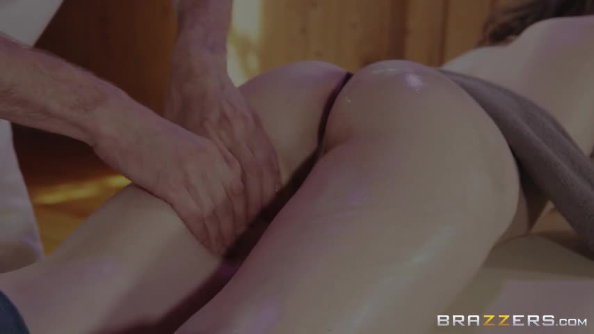 Star Del Ray - A Surprise Stroke And Squirt