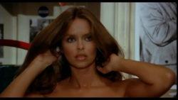 """Bond Girl Barbara Bach in """"Ecco noi per esempio"""" (1977)"""