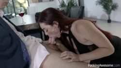 Skyla Novea Nows How to Please