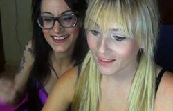Lesbo cam demonstrate with Victoria Golden-haired and Sara Ray