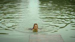 Noémie Schmidt in 'Versailles'