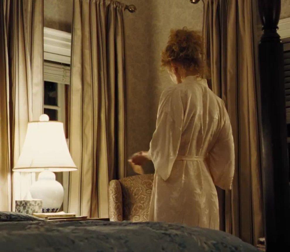 Nicole Kidman disrobing plot in The Killing of a Sacred Deer (2017)