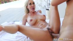 Brandi Love fucked after getting a facial