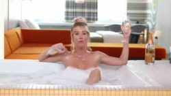 Sara Jean Underwood recreating Margot Robbie's bubble bath scene from The Big Short