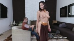 Curvy babe gags on cock in Leia costume