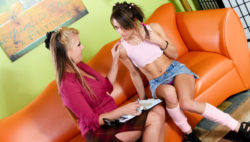 Information consultation results in lesbian intercourse with Joclyn & Risi Simms