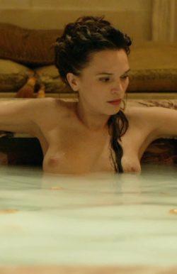 Anna Brewster in Versailles