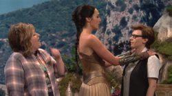 Gal Gadot & Kate McKinnon girl on girl plot on Saturday Night Live