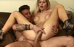Splendid golden-haired student gangbanged by her daddy