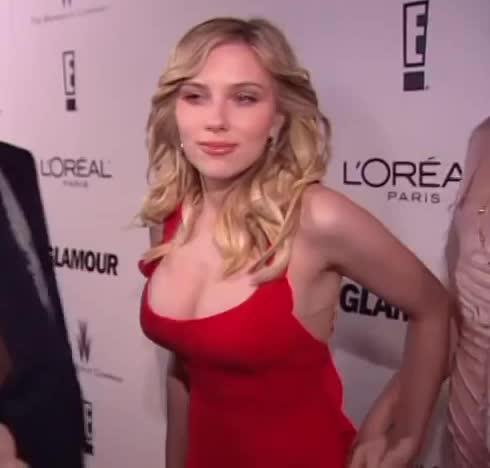 Scarlett Johansson's red carpet plot at the 2006 Golden Globe Awards