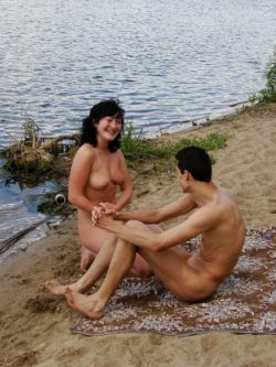 Very outside pussy licking fun