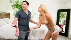 French blonde vixen Savana Kinds invitations herself in LA house