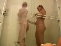 Fascinating exgirlfriend wench Jessie and her nice buddy taking shower