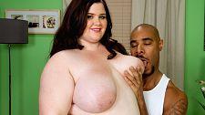 XL Woman Worships Black Cock