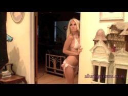 Delicious Vixens on webcam