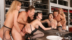 Model's Backstage Assfuck 3some