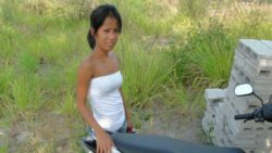 Petite Filipina babe picked up in a box and fucked by way of international vacationer