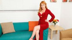 Hawt redhead Sasha Sean